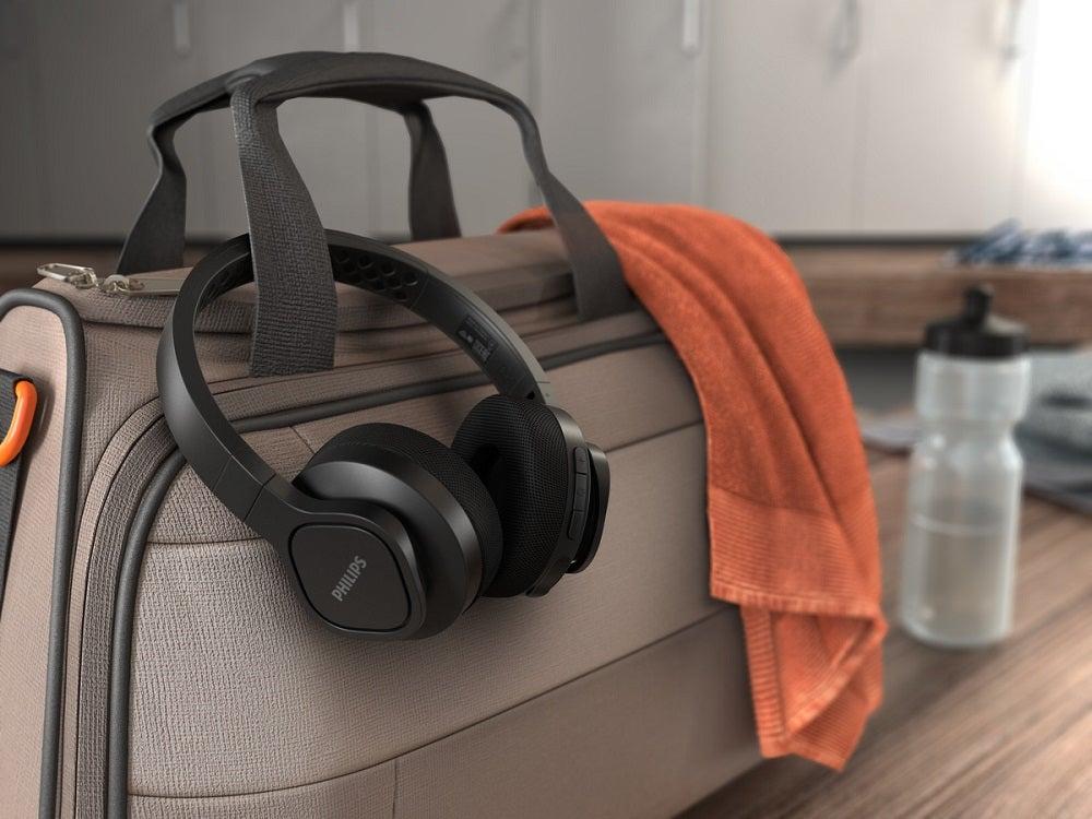 Philips A4216 on-ear sports headphones