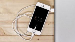 iPhone SE low power, low battery, charge, charging