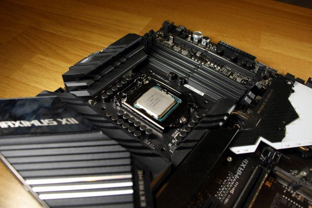 Intel Core i5-10600K 01