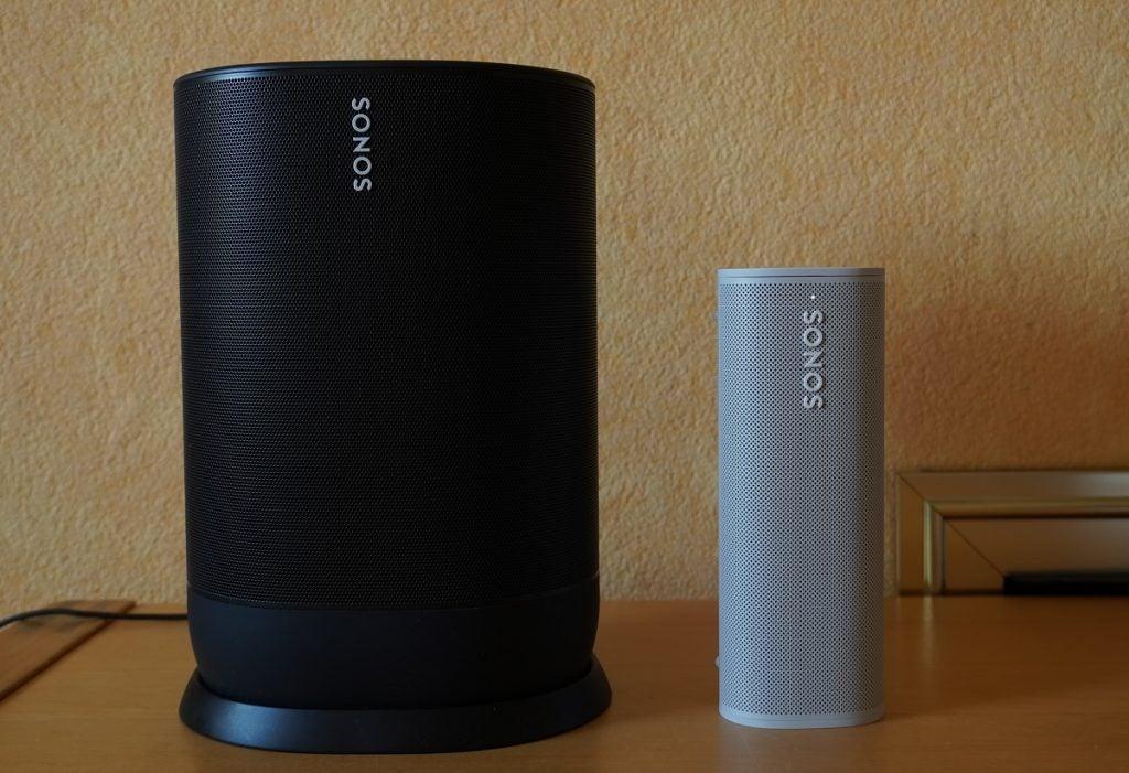 Sonos Roam next to Sonos Move