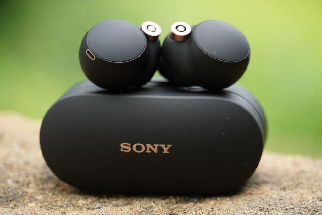 Sony WF-1000XM4 touch area